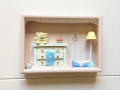 Miniatuurkastje babykamer roze