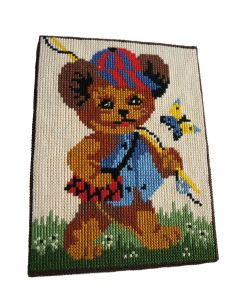 Schilderij geborduurd met beer